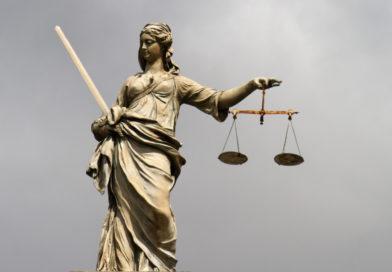 Sassiläinud juriidikalõngakerad ehk Rita Holmi ja Robert Sarve seksiperestroika ümber toimuvast