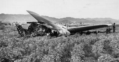 USA B-52 kaotab Palomarese lähedal neli tuumapommi (1966)