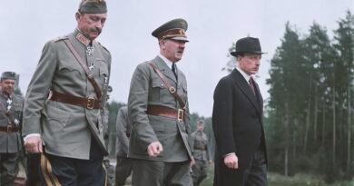 Hitler Mannerheimi 75-ndal juubelil kontvõõraks (galerii)