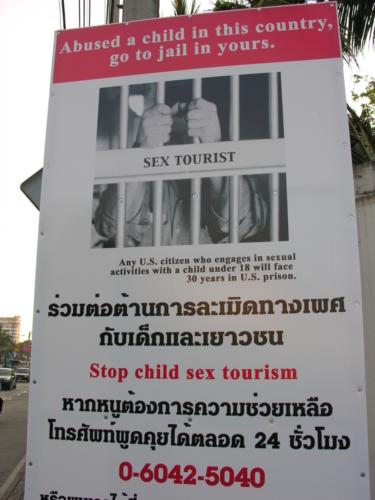 Plakat hoiatab lapsprostituutide teenuste kasutamise eest.