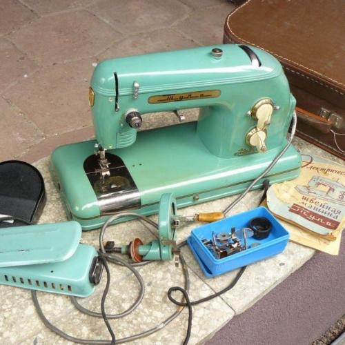 Õmblusmasin Tula. Kui see masin ikka rikki läks ja hakkas niite hunnikusse ajama, siis ei aidanud enam mingi reguleerimine.