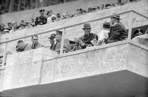 14-08-1936. Aukülaliste tribüün.