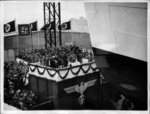 """29. märts 1938 Ristluslaeva """"Robert Ley"""" vettelaskmine"""