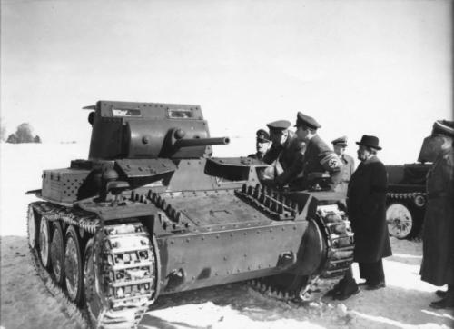 4. jaan. 1943 Hitler uudistab uut tanki oma peakorteri lähedal
