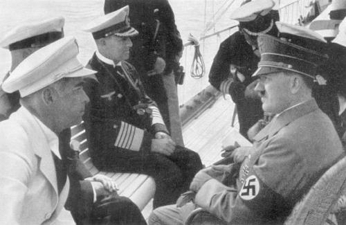 9-08-1936. Hitler Kielis