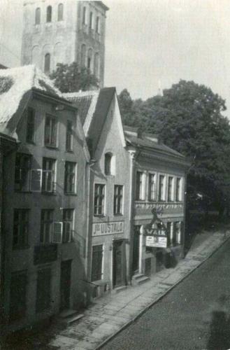 Harju tänav (need hooned hävisid õhurünnakus)