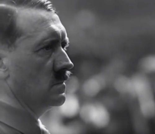 """""""Tahte triumf"""" oli esimene dokfilm, kus näidati Hitlerit suures plaanis."""