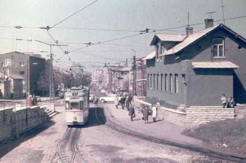 Tallinn. Vasakule jääb kuulus õllekas Kaptenisild