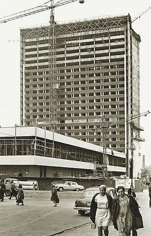 Valmib Viru hotell. Juuli 1970